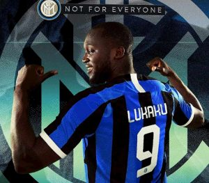"""Inter, Lukaku prende la maglia numero 9 che era di Icardi. Poi elogia Conte: """"Il migliore al mondo"""""""