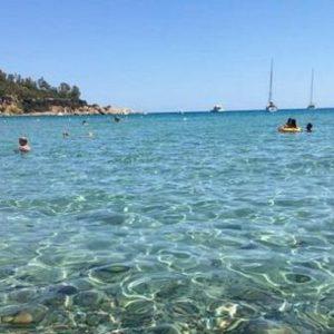 Cagliari, 72enne ha un malore mentre fa il bagno. Salvata da un finanziere