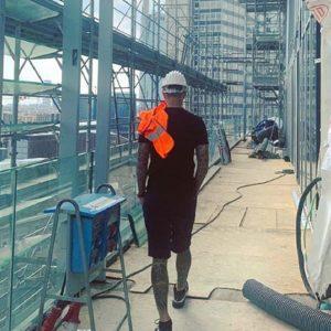 Mauro Icardi mostra la sua nuova casa a Milano