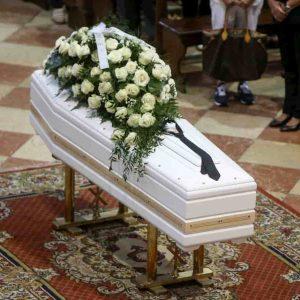 """Nadia Toffa, lo sfogo da Le Iene: """"Tutti a fare i post sui social, al funerale nessuno di questi"""""""