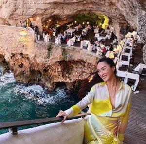 Nicole Warne al ristorante Grotta Palazzese di Polignano a Mare