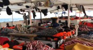 Migranti a bordo della Open Arms