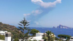 La colonna di fumo su Stromboli