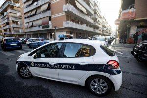 roma tenta suicidio col cane