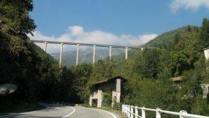 Monticiano, tenta il suicidio dal Ponte di Petriolo: salvata dalla Polizia