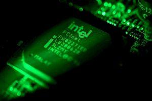 Processori Intel, la falla SwapGs espone Windows agli attacchi hacker