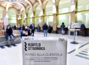 Reddito di cittadinanza, che succede ora? Resta anche se cade il governo. A meno che...