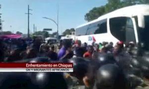 Messico, violenta rissa tra migranti africani e guardia nazionale VIDEO