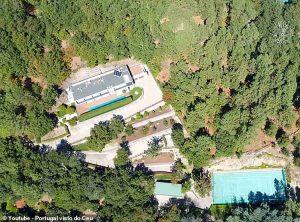 Cristiano Ronaldo vende la super villa in Portogallo a Pepe. Ma ci ha rimesso un milione di euro