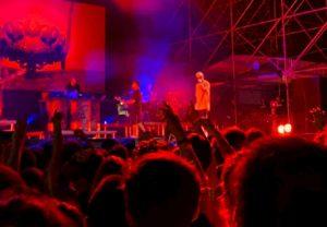 Salmo ha evitato una strage al concerto di Lignano Sabbiadoro? Lo spray al peperoncino e il sosia a rischio linciaggio