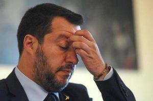 """Salvini, da """"utile idiota"""" di Putin all'isolamento: abbandonato da tutti i campioni del sovranismo"""