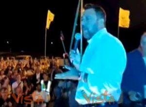 """Matteo Salvini attacca ancora la """"zingaraccia"""" e i giornalisti"""