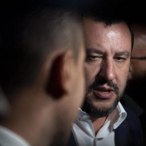 Salvini, dal costume da bagno alle braghe di tela, fra Conte, Trump e il Vaticano