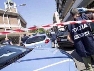 Roma, Roberto Sacchet precipita dal terrazzo di casa e muore dopo una festa: è giallo