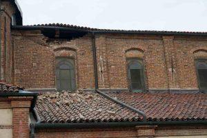 Settimo Torinese, crolla parte della parete della chiesa di San Pietro in Vincoli