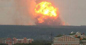Siberia, esplosione in un deposito militare: 12 feriti, un disperso e migliaia di evacuati