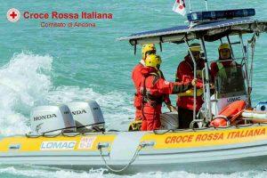 Sofia Perelli morta dopo un tuffo a Sirolo (Ancona): era finita contro gli scogli