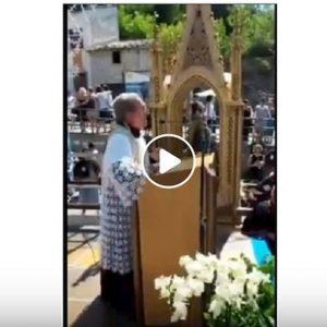 """Sora, don Donato Piacentini il parroco anti migranti, Omelia: """"Hanno telefonino e catenite"""""""
