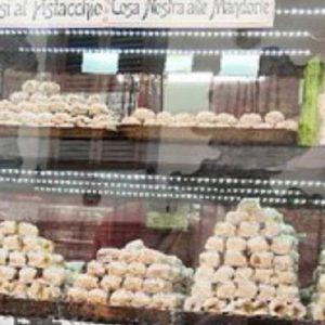 """Taormina, pasticceria vende i """"mafiosi al pistacchio"""" e """"cosa nostra alle mandorle"""""""