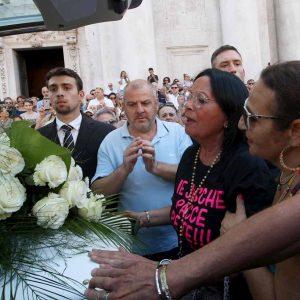 donne ilva funerale nadia toffa