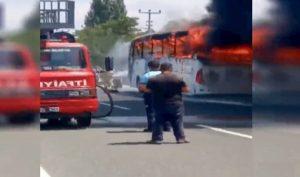 Turchia, autobus in fiamme: 5 morti, 15 feriti. Si teme attentato