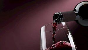 Vino rosso fa bene alla flora batterica dell'intestino, se bevuto con moderazione