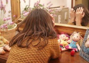 Padre violenta figlia 2 anni e mezzo