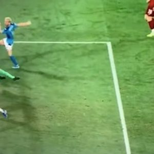 Adrian parata Mertens Napoli Liverpool video YouTube