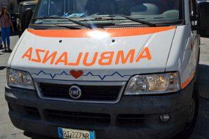 Brancaleone, schianto auto-pulmino sulla Statale Jonica: morto uno svedese, 2 feriti