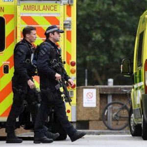 Gb, auto travolge due poliziotti e un passante per evitare controlli anti-droga