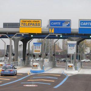 A14 cammina autostrada salvata finanziere