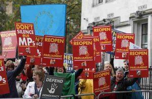 Brexit, da Londra un messaggio al mondo: il Parlamento non si tocca
