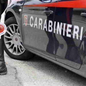 Oria (Brindisi): sequestra la ex compagna e la trascina in auto. Lo aiutava il fratello