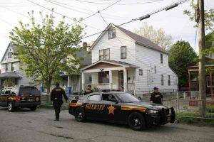 Cleveland: quattro cadaveri in decomposizione trovati nella casa della droga