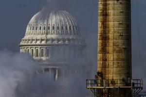 Climate change, oggi sono solo due miliardi di persone ad inquinare. Ma domani saranno otto