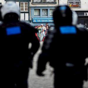 Auto contro una moschea a Colmar
