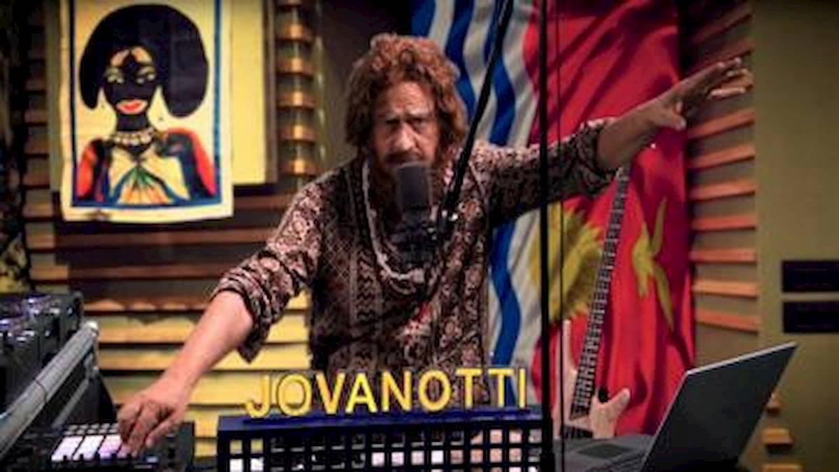 Crozza fa Jovanotti: