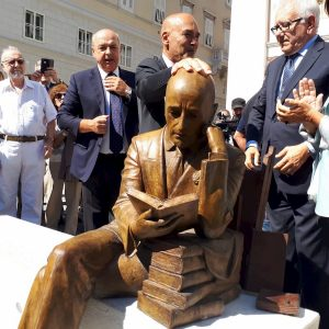 Statua Gabriele D'Annunzio
