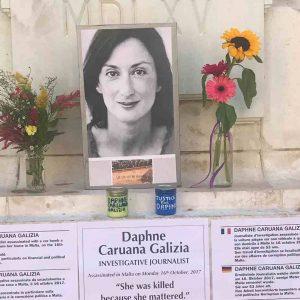 Malta, avamposto della cristianità nel Mediterraneo: pochi diritti, tanto denaro e tasse basse