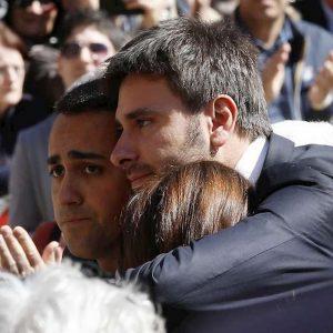 """Di Maio a Di Battista: """"Fidarsi del Pd? Vediamo come votano"""""""