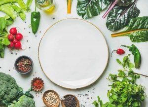 Tumori, digiuno o dieta vegana danno benefici ai malati? E' una bufala
