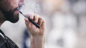 E-cig e Iqos, minor impatto su pressione e stress ossidativo rispetto alle sigarette