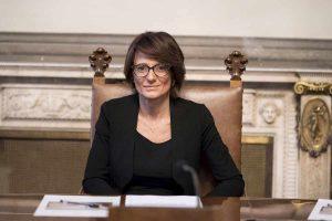 Congedo parentale, il ministro della Famiglia Elena Bonetti promette più diritti ai papà
