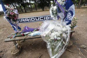 Fabrizio Piscitelli, in fiamme a Roma la panchina su cui è stato ucciso Diabolik: incidente o intimidazione?