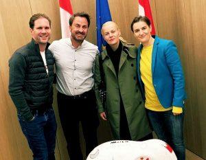 Foto: premier Lussemburgo gay e Serbia lesbica