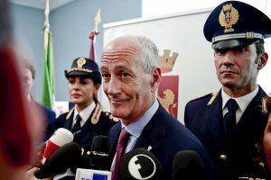 """Franco Gabrielli difende Salvini: """"Le maglie della Polizia? Io mai offeso, la gente non è idiota"""""""