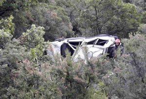 Solopaca (Benevento), auto nella scarpata: morto bambino di 4 mesi, ferita la mamma