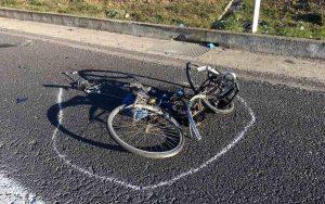 Muggiò, uomo in bici travolto e ucciso da un'auto sulla provinciale