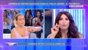 """Pomeriggio 5, Carmen Di Pietro sbatte fuori casa il figlio 18enne: """"E' per il suo bene"""""""