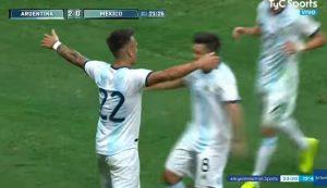 Lautaro Martinez, notte magica con l'Argentina: tripletta e rigore procurato nel 4-0 al Messico VIDEO